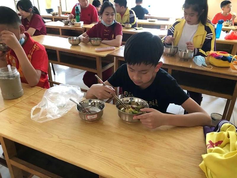 明珠国学吃饭