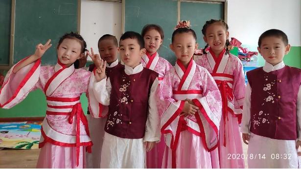 明珠国学幼儿园大班毕业典礼圆满礼成