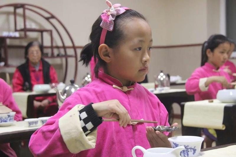 明珠国学茶修投茶