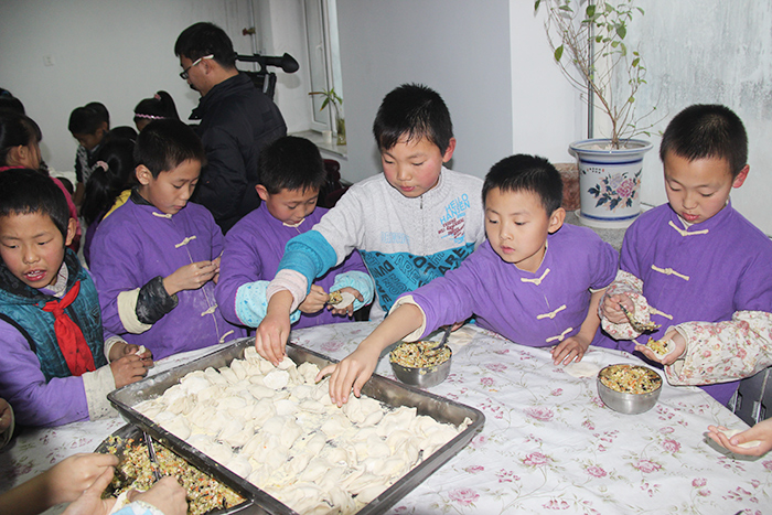 明珠国学-包饺子活动